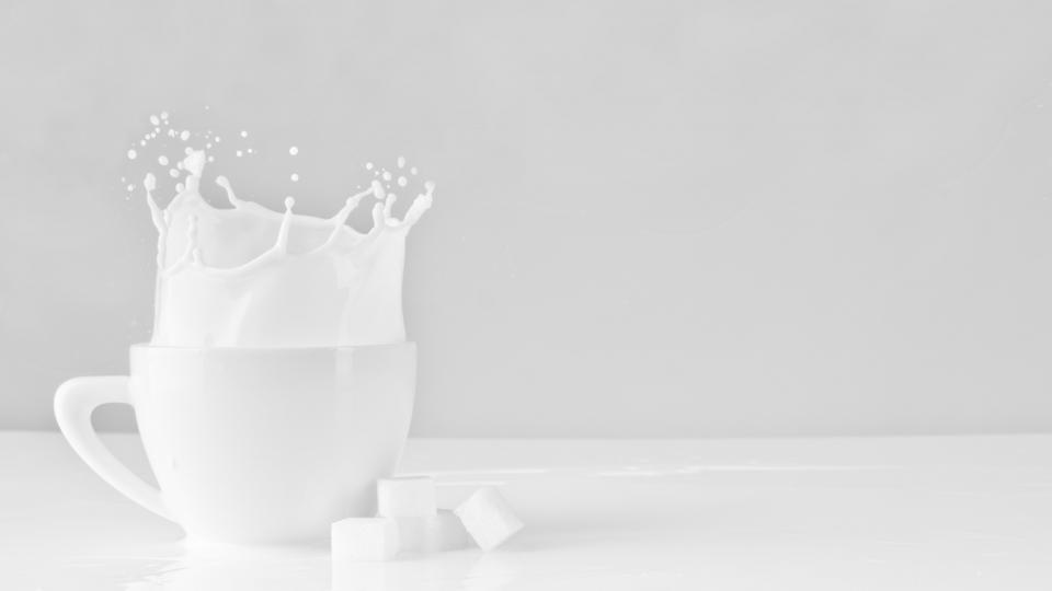 Россияне отреагировали на новость о возможном повышении цен на молочную продукцию